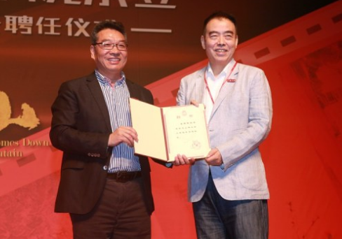 陈凯歌任上海电影学院院长 承诺会亲自授课
