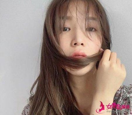 女生最流行的发型图片清新脱俗又时髦
